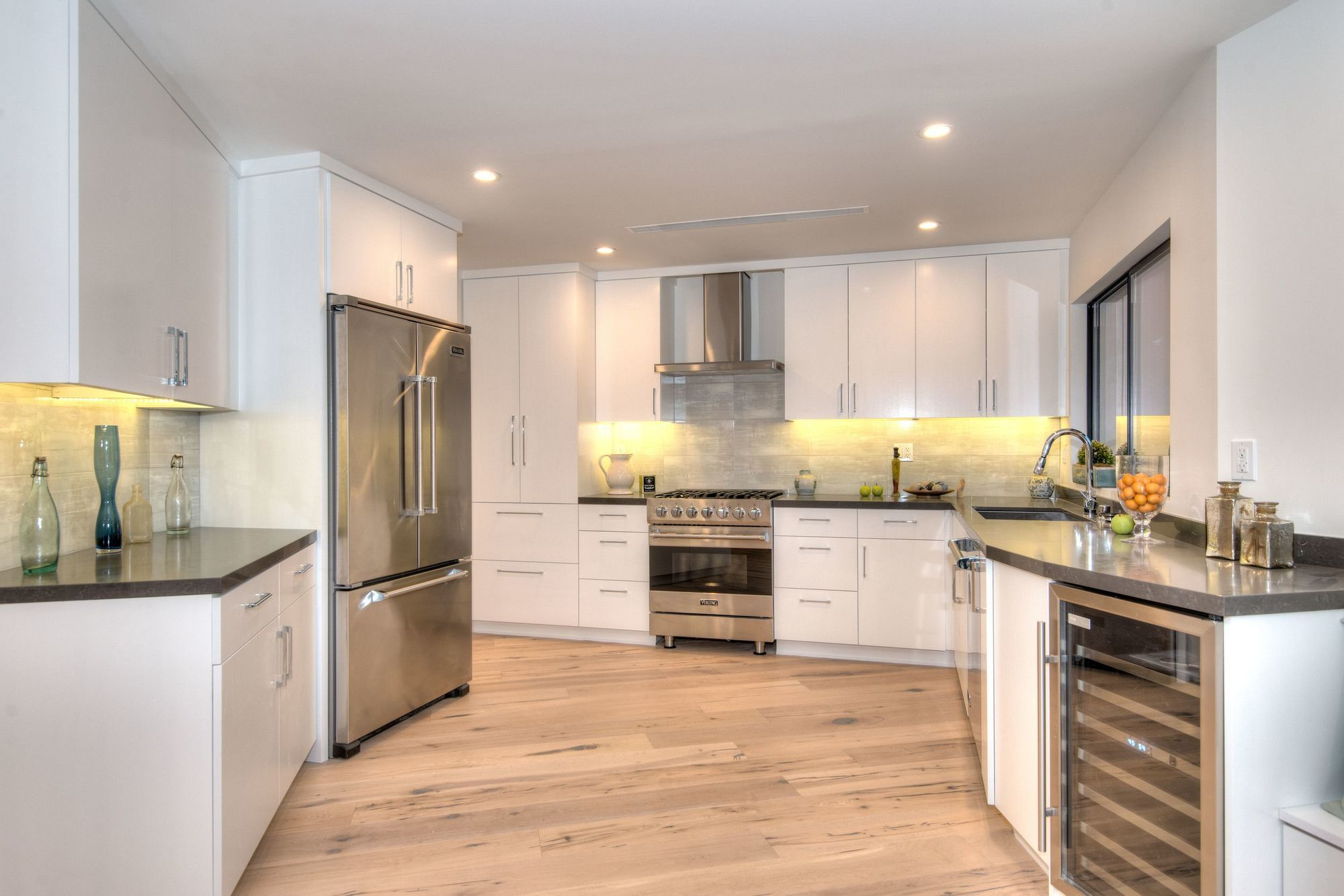 Kitchen remodel cost break down i e cabinets for Average cost to redo kitchen cabinets